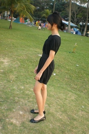 Uniqlo dress - belt - shoes