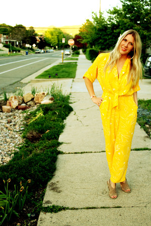 yellow vintage jumper - Forever 21 sandals