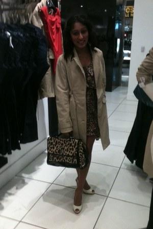 eggshell leatherleopard Jessica Simpson heels