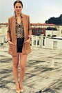 Camel-h-m-jacket-dark-brown-leather-vintage-shorts