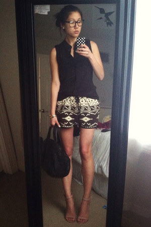 black ikat maison scotch shorts - nude Steve Madden shoes