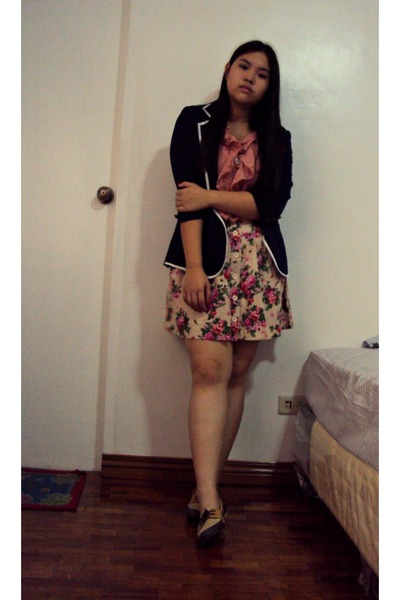 beige floral Forever 21 skirt - navy Tomato blazer - coral blouse
