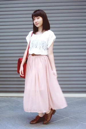 brown oxford Modparade shoes - ruby red bag - light pink skirt - ivory lace Styl