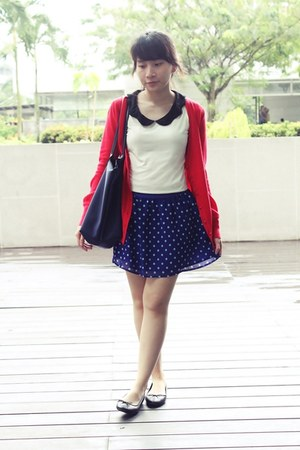 blue polka dot Forever 21 skirt - navy longchamp bag - white robot ninjas top
