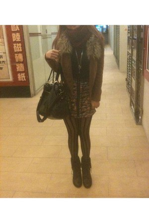 bronze Taobao jacket - black cotton on boots - brick red vivienne westwood scarf