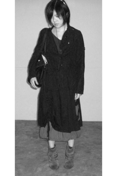 giordano t-shirt - 2cm jacket - skirt - pull&bear boots