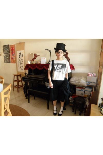 hat - 2 cm jacket - shoes - chapter t-shirt - ec4u shorts - socks