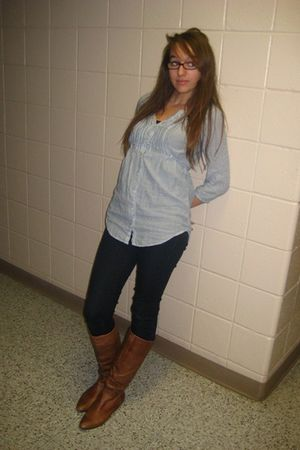 H&M shirt - Forever 21 jeans - Gianna boots