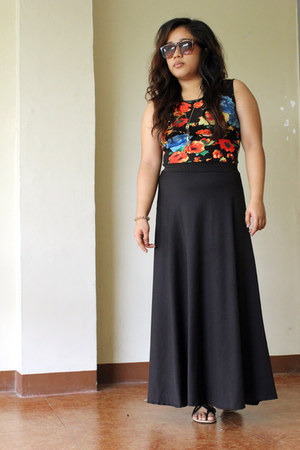 black maxi skirt - black floral print dress
