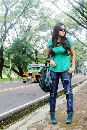 pants - Rusty Lopez boots - Jimmy Choo bag - Gucci sunglasses - Zara top