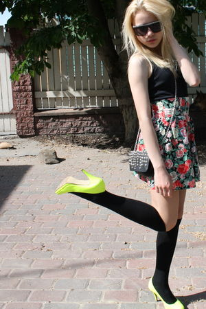 yellow Tamaris shoes - black lindex stockings - black NewYorker top - black Stra