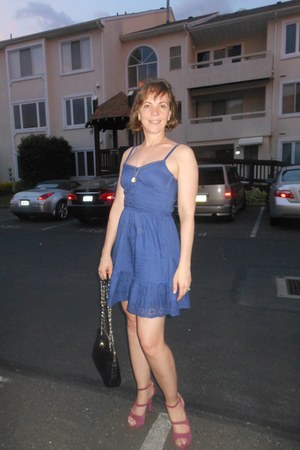 H&M dress - DKNY bag - Via Spiga sandals - cameo brooch vintage necklace