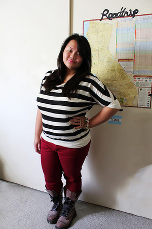 light brown Dr Martens boots - crimson maroon jeans Star City jeans