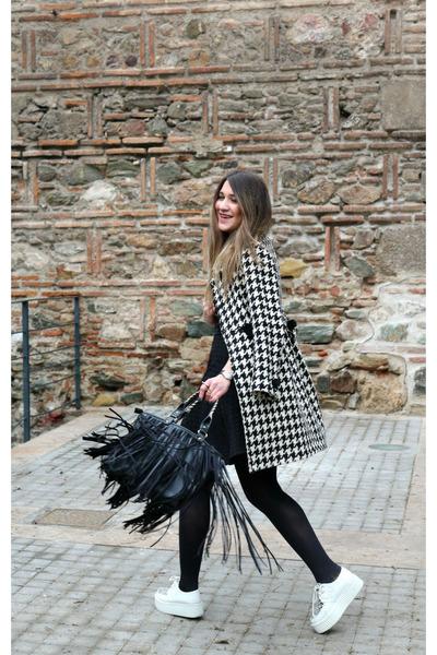 coat - creepers shoes - black closet dress - fringe chicnova bag
