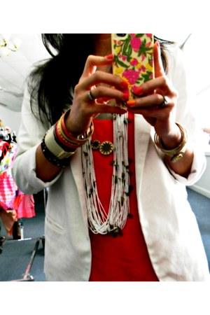 dark khaki house of harlow necklace - white beaded nacklace Chan Luu necklace