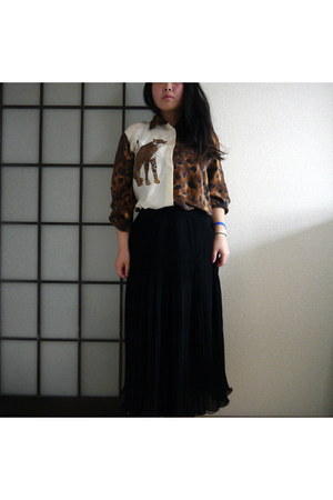 thrifted vintage blouse - vintage skirt