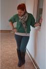 Dark-green-terranova-leggings-chartreuse-urban-craftmania-bracelet