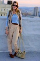 beige faux fur H&M vest - sky blue striped l-s vintage top