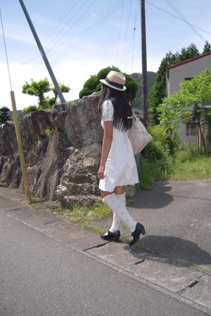 eyelet Showa dress - tan and black Forever 21 hat - floral Tutuanna socks - blac