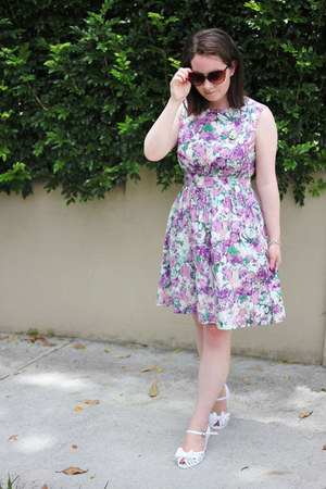light purple floral Emily and Fin dress - brown cat eye Topshop sunglasses