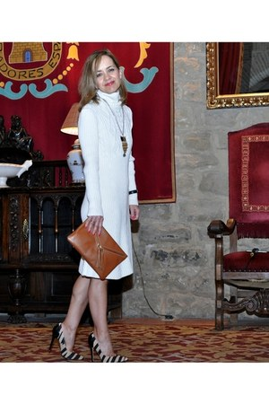 off white knit Alain Manoukian dress - tawny leather cool the sack purse
