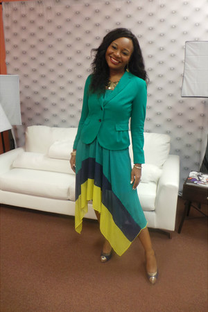 emerald green H&M blazer - blue  gold Jennifer Lopez shoes