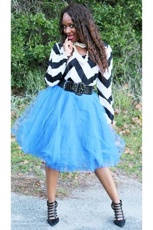 black Jessica Simpson heels - Pretty Pieces skirt - chevron pattern JLo blouse