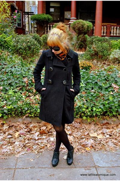 black H&M coat - black sweater - gray shorts - burnt orange American Apparel sca