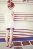 pink accessories - white top - shorts - gray shoeboxx shoes