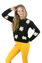 Lala and Sasi sweater