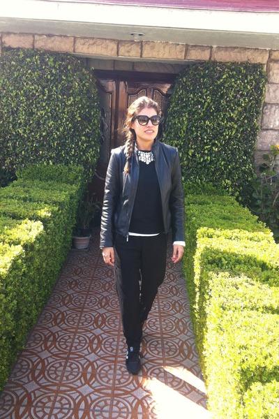 black Zara sweater - black Forever 21 pants - black sneakers