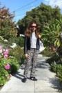 Black-new-balance-sneakers-leopard-mango-pants-silver-mens-h-m-t-shirt