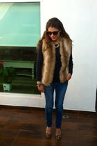 leopard pumps - jeans - blue Zara sweater - tan faux fur Mango vest