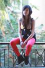 Black-tobi-top-red-zara-pants