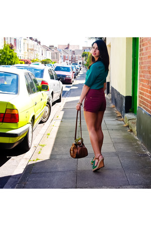 green next top - maroon Primark shorts