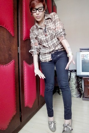light brown Authentic blouse - black king55 pants - camel Via Uno heels - deep p