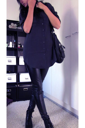black lindex leggings - black GINA TRICOT shirt - black lindex bag - Din Sko sho