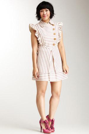 white Lover dress - olivia Sole Society heels