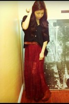 ruby red lace Forever 21 skirt - tawny leather Steve Madden boots