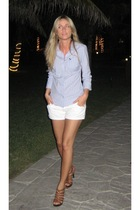 blue stripe abercrombie and fitch shirt - white denim H&M shorts - Aldo