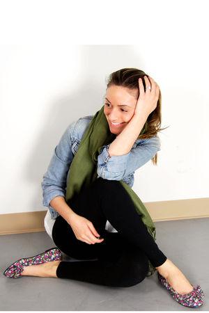 blue abercrombie and fitch jacket - black Ardene leggings - green Ardene scarf -