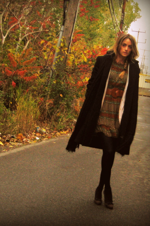 le chateau coat - Ebay dress - Aldo belt - Aldo stockings - Zara shoes - Zara