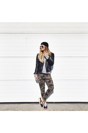 black leather All Saints jacket - army green sweatpants Ardene pants
