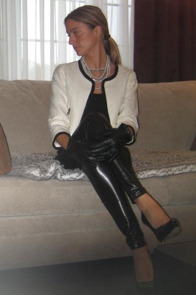 H&M top - American Apparel leggings - H&M blazer - Aldo shoes - Aldo gloves - Al