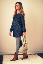 H&M dress - H&M stockings - Aldo boots - Ardene purse - H&M necklace