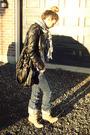 Zara-shirt-gray-h-m-t-shirt-blue-diesel-jeans-beige-aldo-boots-black-die