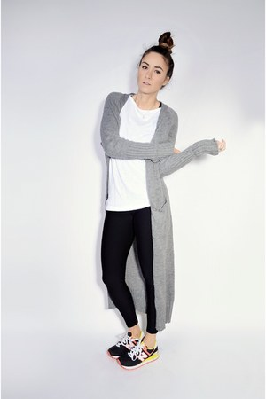 heather gray maxi knit Oasapcom cardigan - black New Balance sneakers