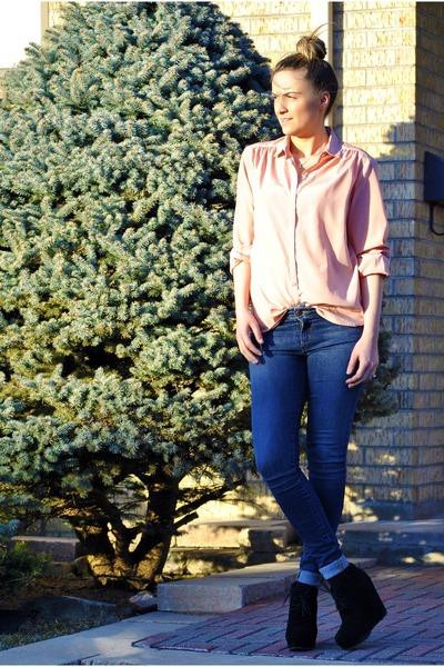 blue skinny Joes Jeans jeans - salmon chicshop blouse - black suede Aldo wedges