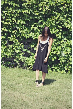 black Ardene dress