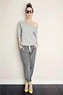 Charcoal-gray-silk-aritzia-pants-yellow-gojane-heels